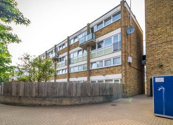 Thumbnail 4 bed shared accommodation to rent in Eric Street, London