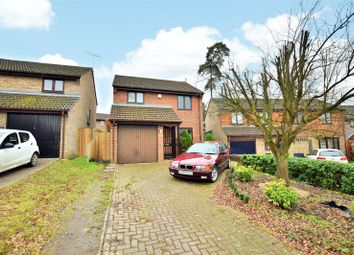 Thumbnail 3 bed detached house to rent in Woodmancott Close, Bracknell, Berkshire