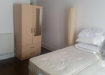 Thumbnail Room to rent in Leighton Gardens, Kensal Green
