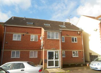 Thumbnail 2 bed flat to rent in Richmond Road, Yeovil