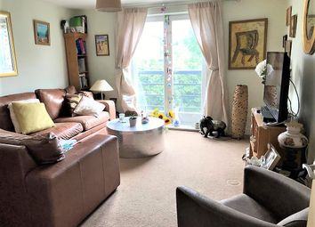 Ovaltine Drive, Kings Langley WD4. 2 bed flat for sale