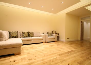 Thumbnail 3 bedroom flat to rent in Albion Street, London