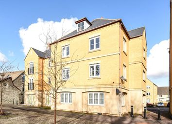 Thumbnail 2 bed flat to rent in Central Witney, Oxfordshire