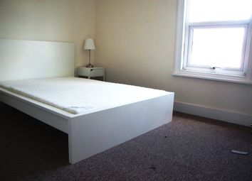 Thumbnail 1 bed flat to rent in Cranbury Road, Reading