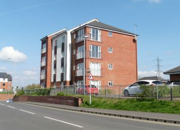 Thumbnail 2 bed flat for sale in Stokers Close, Dunstable