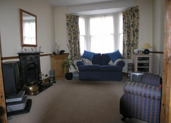Thumbnail 2 bed cottage to rent in Chelmsford Road, London