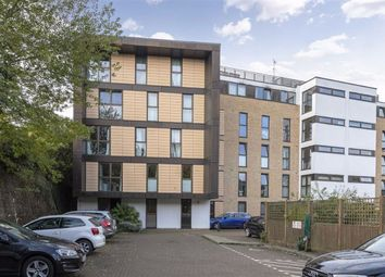 2 bed flat to rent in Carter House, 33 Petergate, Battersea SW11