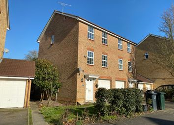 3 bed property to rent in Hillbrow Lane, Ashford TN23