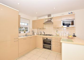3 bed end terrace house for sale in Amber Lane, West Malling, Kent ME19