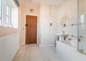Newlay Close, Greengates, Bradford, West Yorkshire BD10
