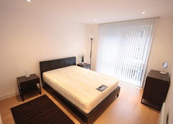 Thumbnail Room to rent in Vauxhall Bridge Road, Pimlico, Westminster