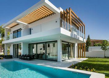 Thumbnail 3 bed villa for sale in Estepona, Málaga, Spain