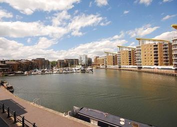 3 Bedrooms Flat to rent in Canary Central, Docklands E14
