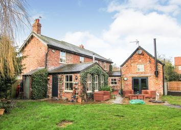 4 bed link-detached house for sale in Main Street, Wressle, Selby YO8