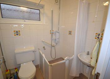 2 bed detached bungalow to rent in Gilbert Close, Rushey Mead, Leicester LE4