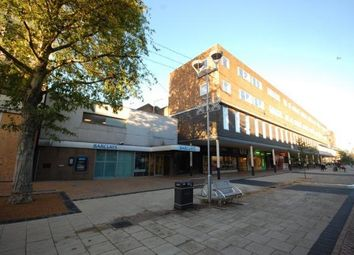 Thumbnail 2 bed flat to rent in Town Centre, Hatfield