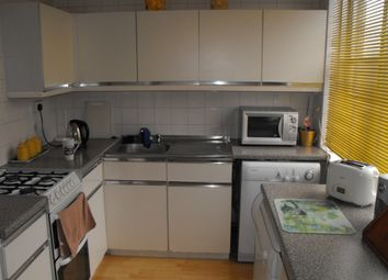 Thumbnail 3 bed flat to rent in Dunsbury Close, Sutton