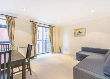 2 bed flat to rent in Bridgewater Square, Barbican, London EC2Y