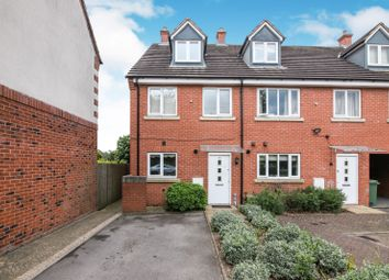 4 bed terraced house to rent in Parsons Mews, Kings Norton, Birmingham B30