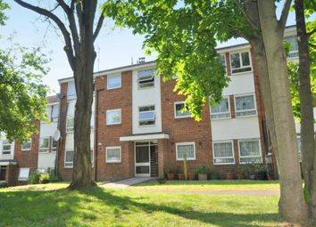 Thumbnail 2 bed flat to rent in Gordon Road, Chesham