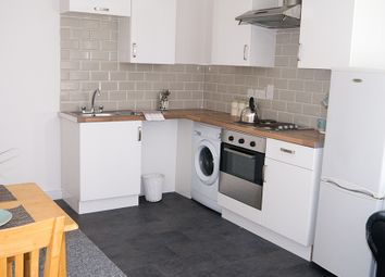 2 bed property to rent in Clarendon Road, Leeds LS2