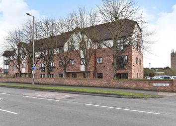 Thumbnail 2 bedroom flat to rent in Upton Court Road, Langley