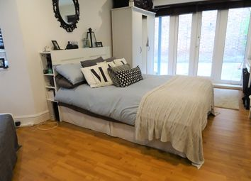 Thumbnail 2 bed flat to rent in Handforth Road, Oval