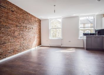 Thumbnail 3 bedroom flat to rent in Reighton Road, London