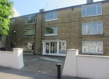 3 Bedrooms Flat to rent in Fairfield Road, London E3