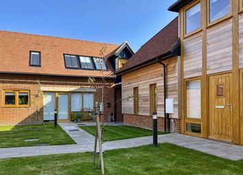 Thumbnail Flat to rent in Orchard Courtyard, Newbury