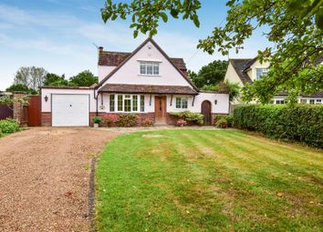 Surrey Gardens, Effingham Junction, Leatherhead KT24. 3 bed detached house