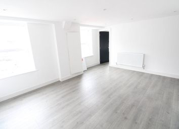 2 bed flat to rent in Rothesay Road, Luton LU1
