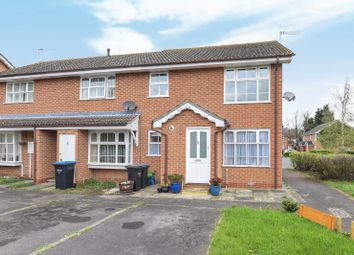 1 bed flat to rent in Vernon Close, Ottershaw, Chertsey KT16
