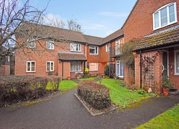 Thumbnail 1 bedroom flat to rent in Wiltshire Close, Hungerford, Berkshire