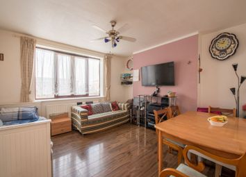 3 bed flat for sale in Warwick Grove, London E5
