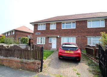 2 bed flat to rent in Vale Head Mount, Knottingley, West Yorkshire WF11