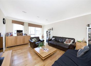 4 bed flat to rent in Goodhart Place, Limehouse, London E14