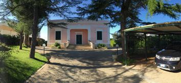 Thumbnail 5 bed villa for sale in Via Lado Moro, Monopoli, Bari, Puglia, Italy