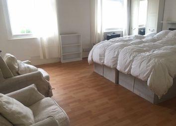 Thumbnail 4 bed flat to rent in Kingsgate Road, London