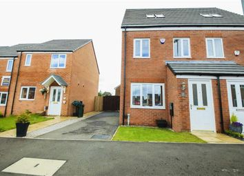 Thumbnail 3 bedroom town house for sale in Kinross Avenue, Heywood, Lancashire