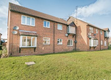 Thumbnail 1 bed flat to rent in Caistor Close, Calcot, Reading