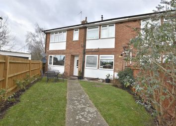 Thumbnail 2 bed flat for sale in Windmill Close, Horley