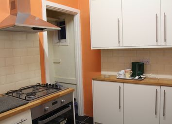 Thumbnail Room to rent in West Avenue, Hendon