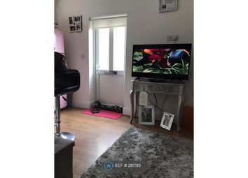 Thumbnail 1 bed flat to rent in Brooklyn Ave, Loughton
