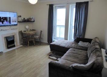 Thumbnail 2 bed flat to rent in High Street, Hounslow