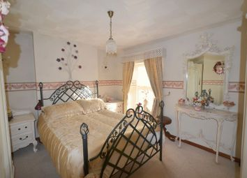 Thumbnail 8 bed detached house for sale in New Road, Blakeney