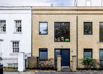 3 bed flat for sale in Hammersmith Bridge Road, London W6