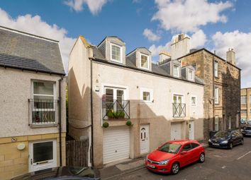 Thumbnail 3 bedroom town house for sale in 54 Trafalgar Lane, Edinburgh
