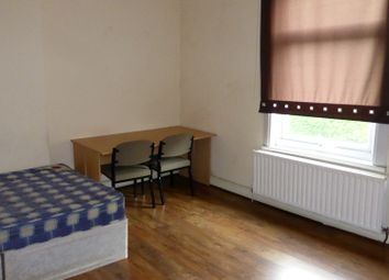 Thumbnail 3 bedroom flat to rent in Pershore Road, Selly Park, Birmingham, West Midlands