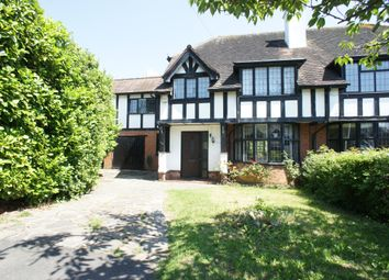 Thumbnail 6 bed property to rent in Grange Crescent, Chigwell, Essex